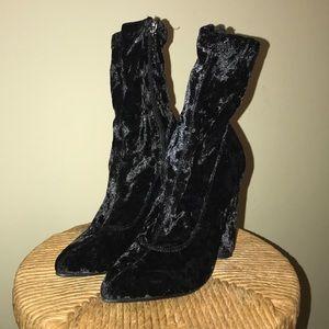 """I came to crush you"" (black) Fashion Nova boots"